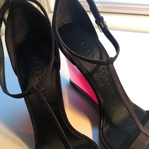 Burberry Shoes - Burberry Leyburn Lucite Wedges